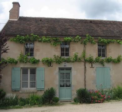 Forêt d'Orléans : Maison de bourg à Loury