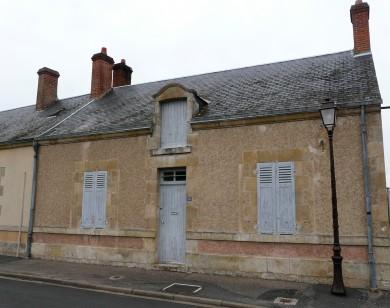Forêt d'Orléans : Maison de bourg à Vitry-aux-Loges.