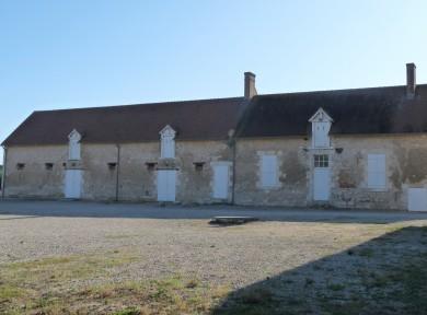 Val de Loire : Corps de ferme à Cléry Saint André